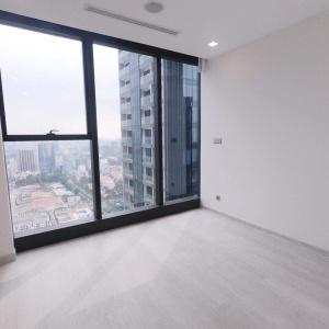 Bán căn hộ cao cấp Vinhomes Golden River Tòa Aqua 1 - 1 phòng ngủ. Diện tích 49,5 m2. Giá bán 4,8 tỷ