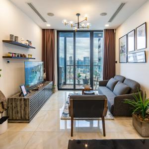 Cho thuê căn hộ dịch vụ Vinhomes Golden River 1 phòng ngủ